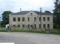 Здание бывшей школы по ул. Центральной,  20 в д. Василевичи Гродненского района